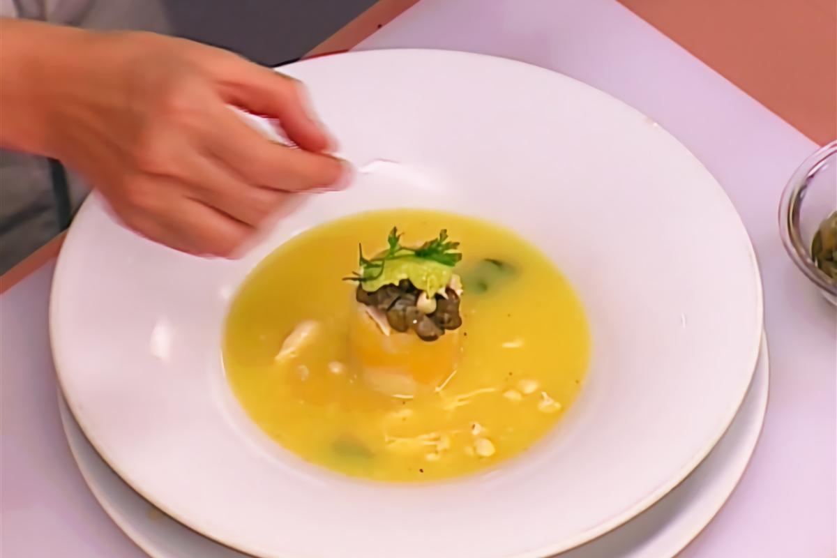 Ajiaco Santafereno Acompanado De Jugo De Uchuva El Gourmet