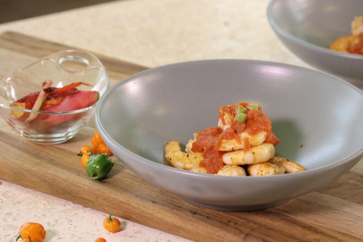 Camarones en Salsa de Tomate y Chile habanero